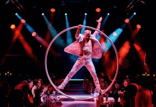 Cyr wheel event show artistik